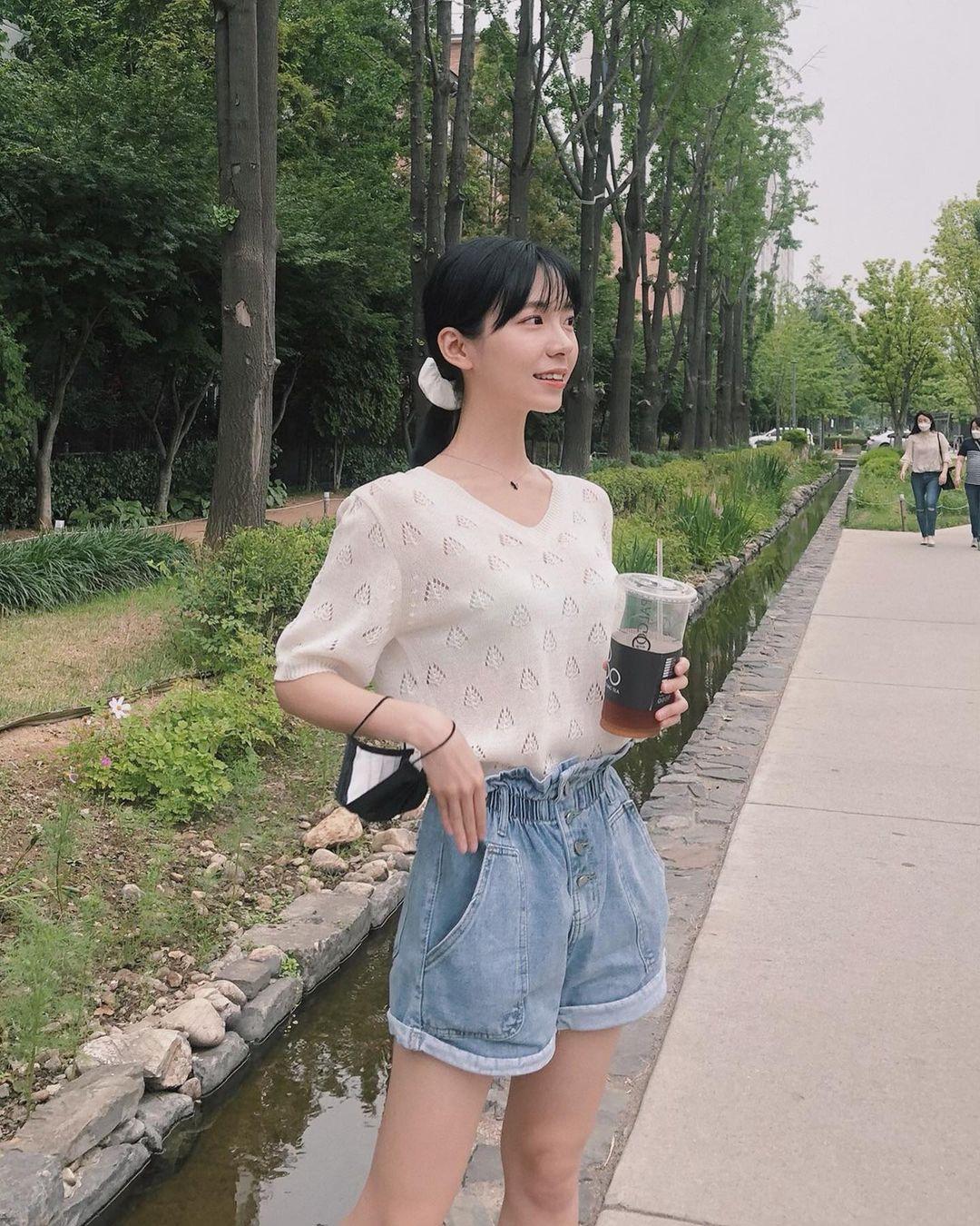 韩国妹子leeesovely美图分享鉴赏 7N5.NET