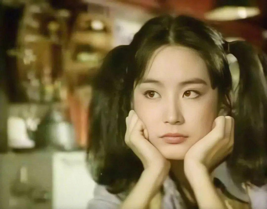 妹子写真 -年轻版林青霞和韩国美女金智秀,你更喜欢哪位呢?_图片 No.2